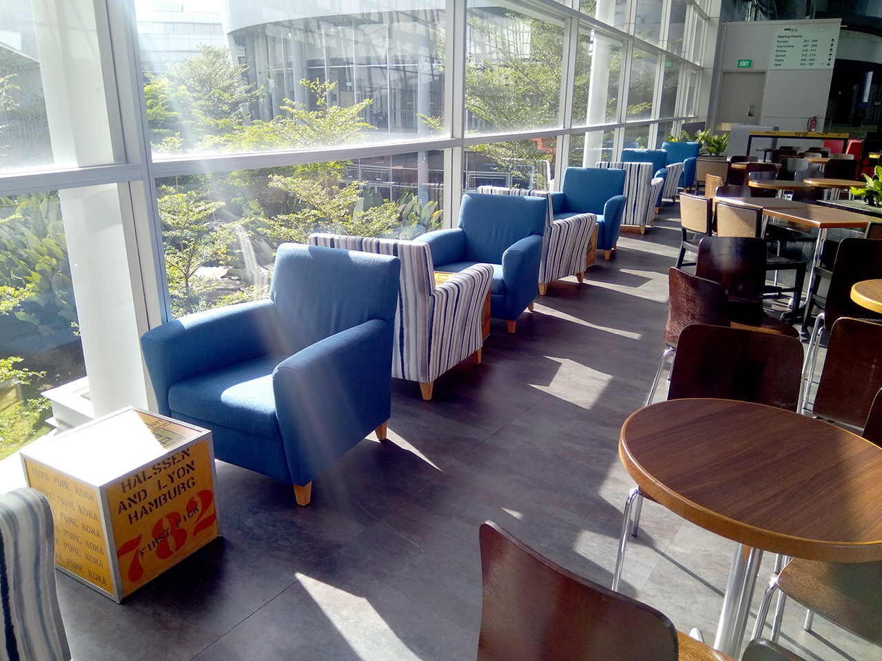 The Coffee Bean & Tea Leaf - Singapore Expo | Product Seen: [Brilliant-V2 Chair & Customised Furniture]