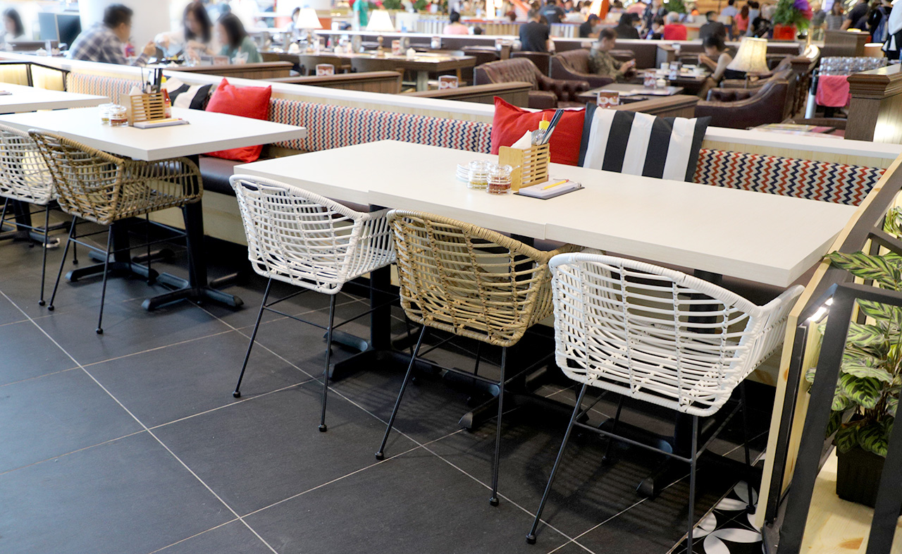 So Pho - Jewel Changi Airport| Product Seen: [Filo Table Base - V2 & Monaco Outdoor Armchair]