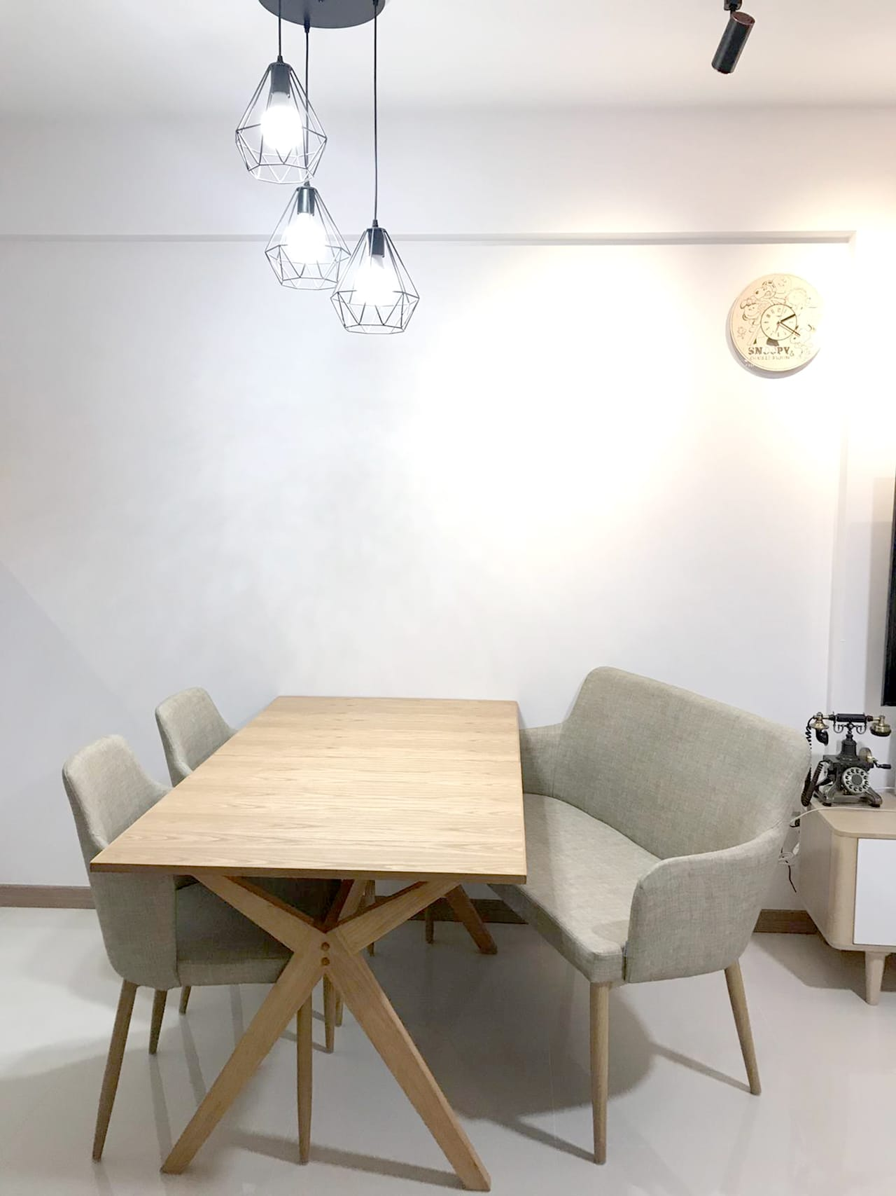 Bukit Batok West - HDB | Product Seen: [Myron Extendable Dining Table – W1500/1900, Debbie Dining Bench & Corine Arm chair]