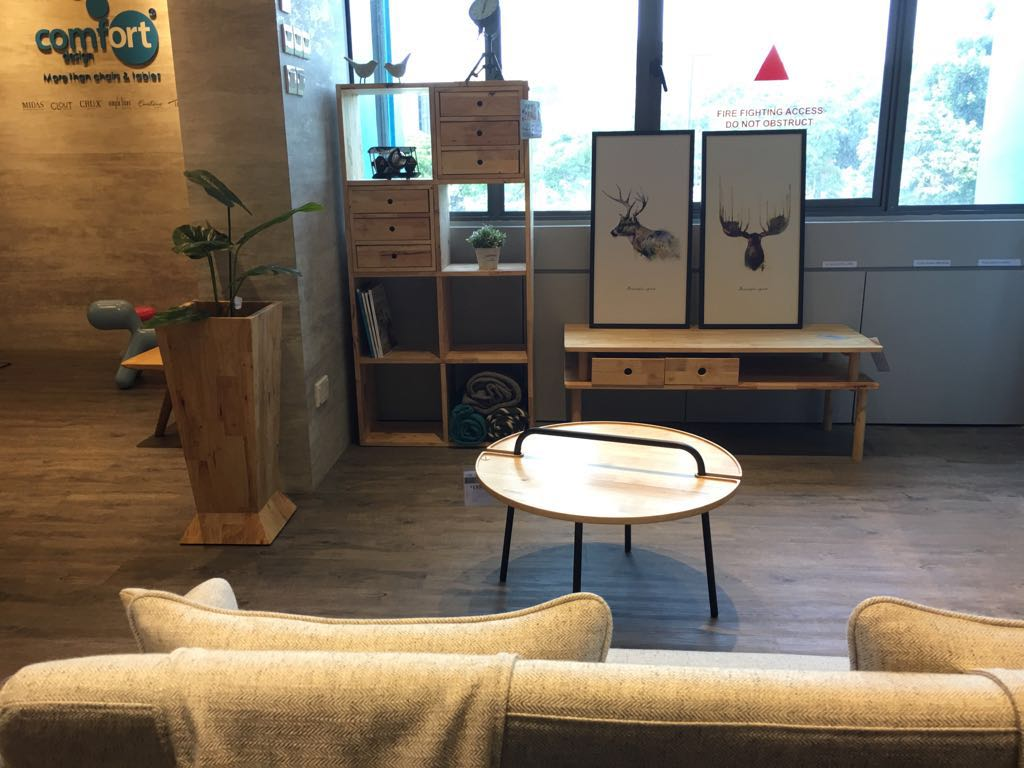 [Yoko Modular Shelf, Poster – Deer Left, Poster – Moose, Hakone Big Coffee Table / TV Console – W1200 & Ponder Coffee Table]<br />