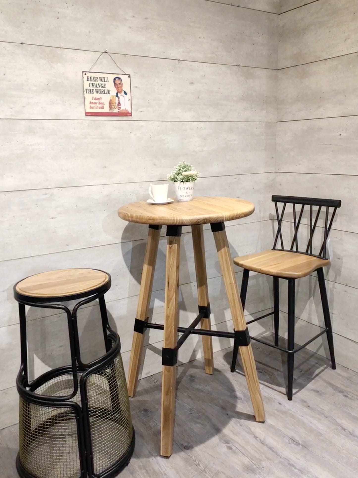[Emu Bar Table - Round 600, Nash Bar Stool & Peru Barchair]