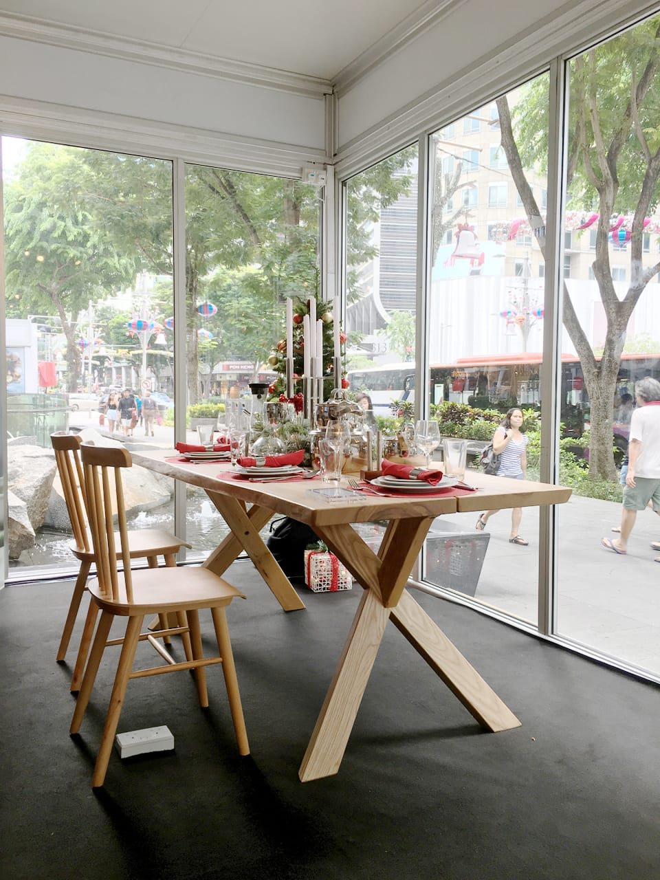 WMF Singapore – Popup Store | Product Seen: [Robin Sidechair & Dock Dining Table]