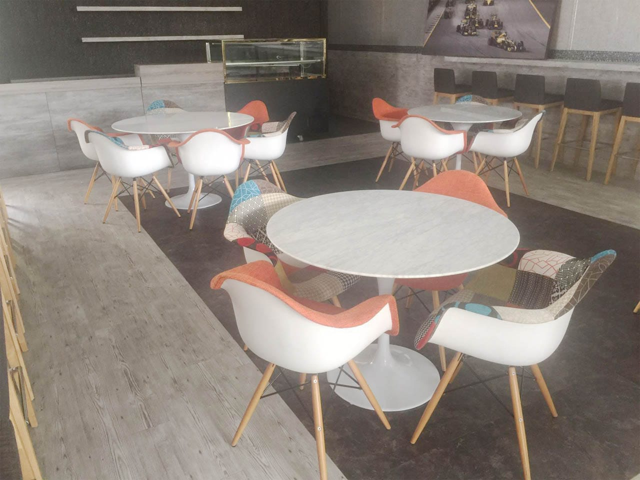 Formula 1 GrandPrix - F1 PIT Building | Product Seen: [Tulip Dining Table-Round Marble (replica), Gum - Patch + Tower Armchair & Gum - Half Fabric + Tower Armchair]