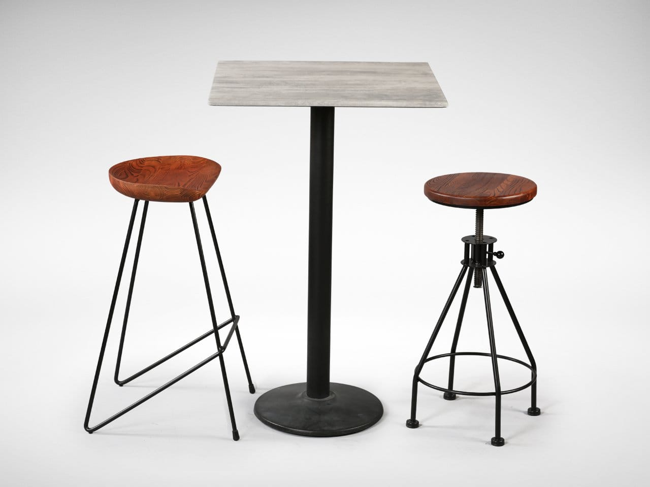[Isotop Table top - Cement, Cosson Bar Leg Dia430 Round Table Base, Venus Barstool & Afro Barstool]<br />