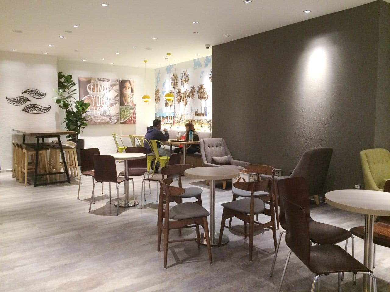 Coffee Bean - Alexandra Retail Centre (ARC) | Products Seen: [Hanoi Chair, Shannon Barchair – Lowback, Ichiyo 1-Seater Sofa & Customised Laminated Tabletop with Traxtor Round Table Base]<br />