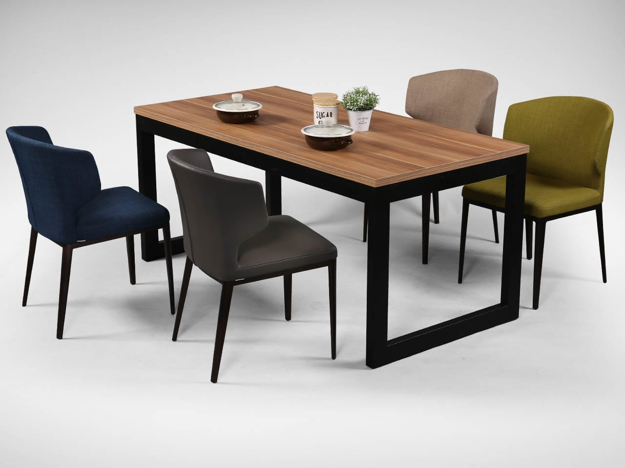 [Elephant Sidechair &amp; Laminate Dining Table + Uni Table Leg]<br />