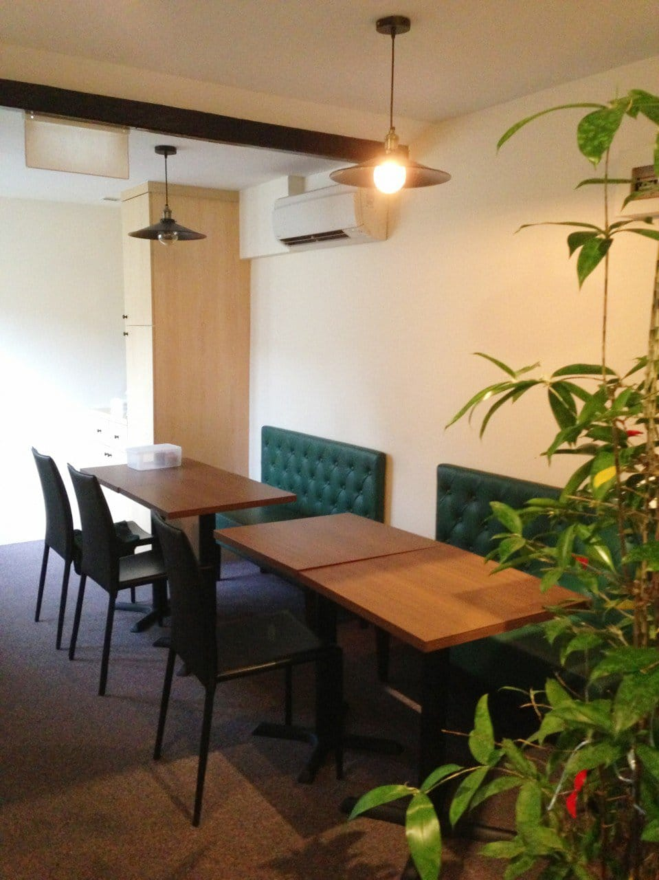 Herbal Oasis - Duxton | Products seen: [Customise Booth Seat, Anson Chair  & Filo Table Base]<br />
