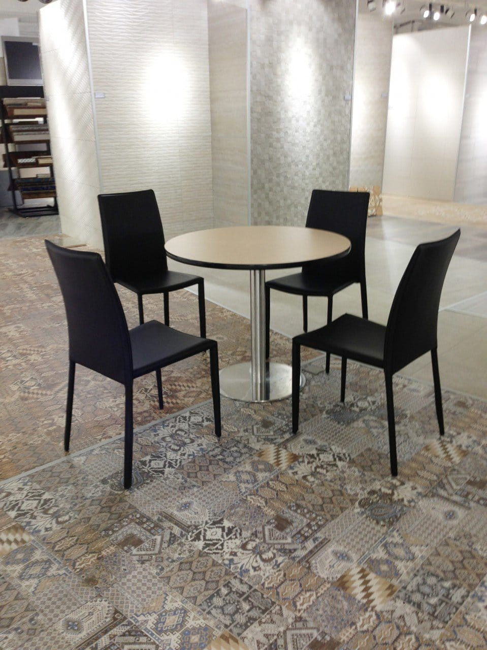Soon Bee Huat - 257 Changi Road | Products Seen: [Anson Chair & Customised Table in Traxtor Round Table Base]<br />