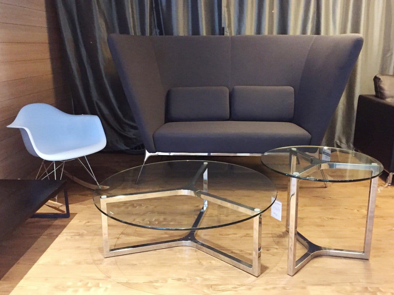 Product(s) seen: [Gum – PP + Rocking Armchair, Private Sofa - Highback, Kravit Coffee Table – Dia1000 x H360 & Kravit Coffee Table – Dia600 x H540]
