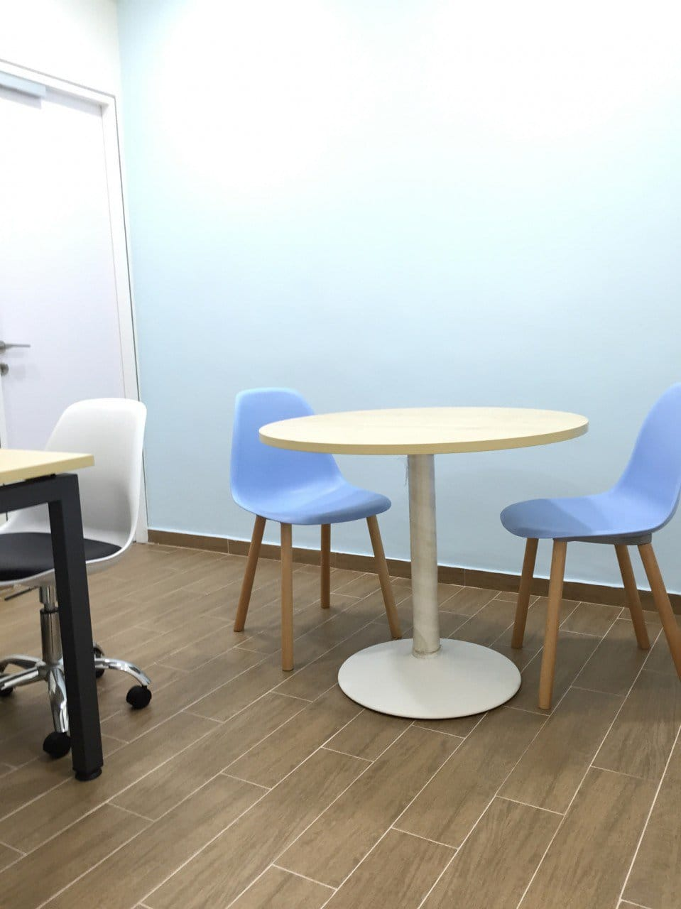 SH Integrated Services - Clementi | Products Seen: [Argo + Round Leg Chair &amp; Kenzo Castors]<br />