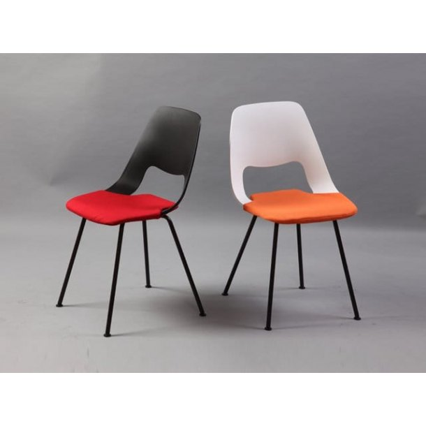 Spur Side Chair